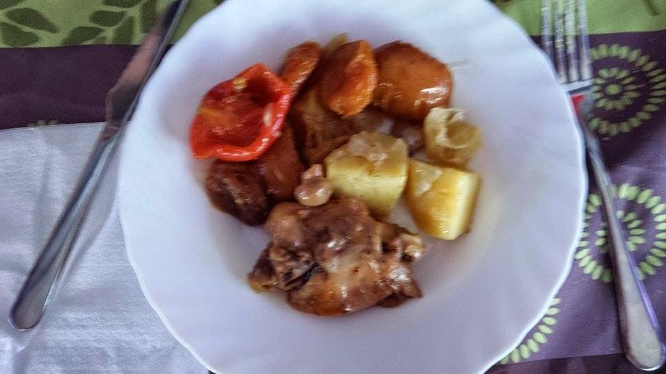 Pollo al horno con champiñones y patatas