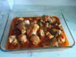 Pollo con fritada de tomate