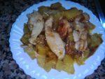 Pechugas de pollo con piña y manzana caramelizada