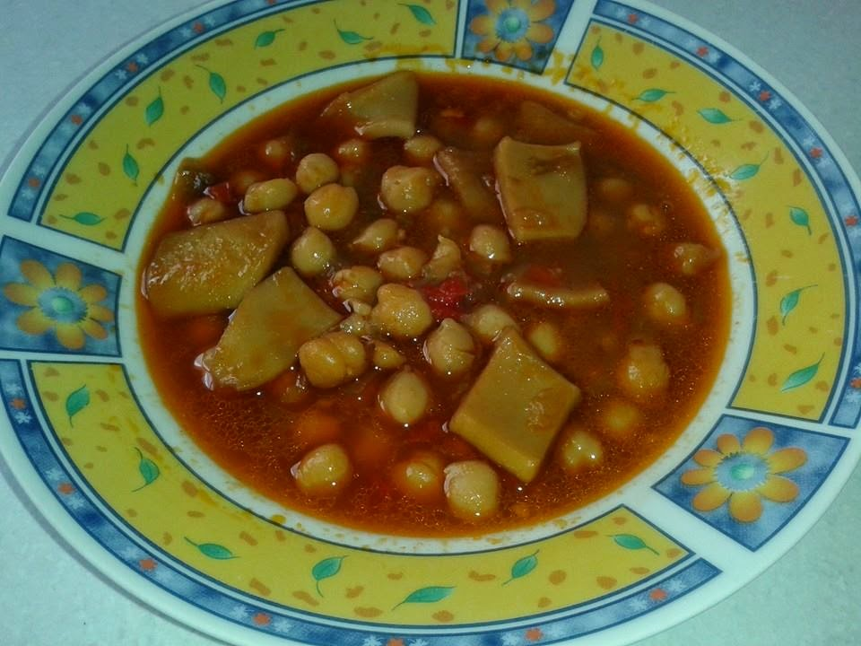 Garbanzos con chocos