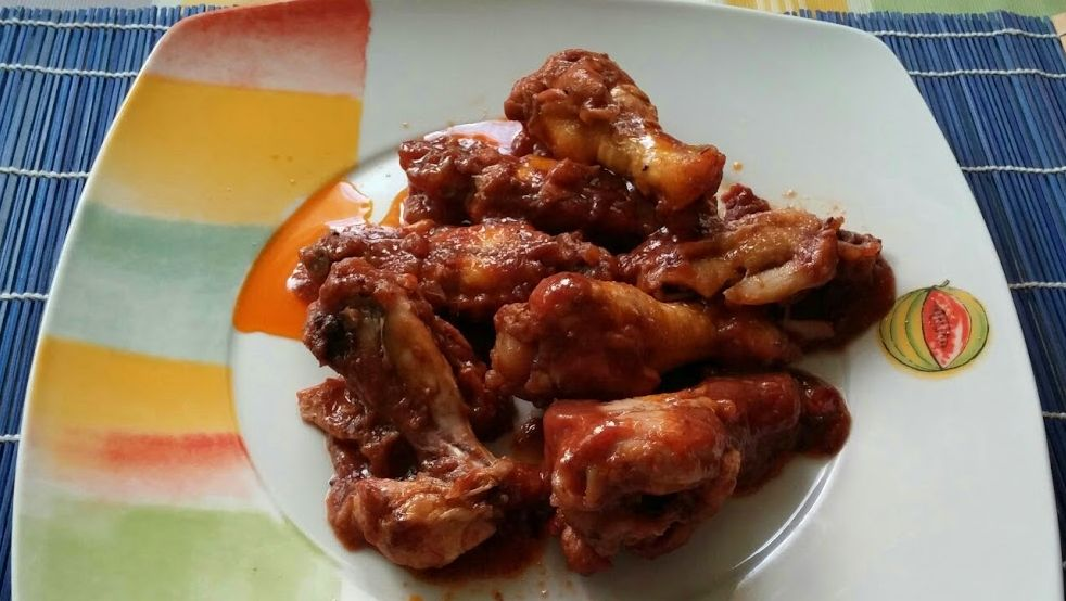 Alitas de pollo con dátiles y miel