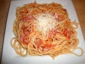 Espaguetis con salchichas receta olla GM Alfa