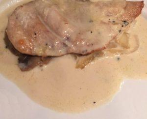 Filetes de pechuga de pollo en salsa de nata