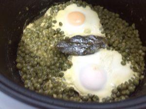 Receta de huevos con guisantes en olla GM modelo Alfa