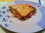 Pastel salado de berza con jamón y champiñones