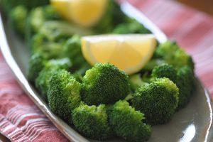 Brócoli con salsa de limón