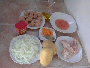 guiso-de-albondigas-y-pollo-ingredientes