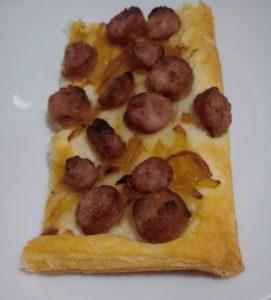 Pizza hojaldrada con longaniza