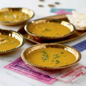Crema de lentejas turcas con curry
