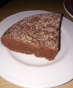 Bizcocho de chocolate con galleta